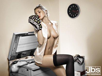 sekretaer800x600.jpg